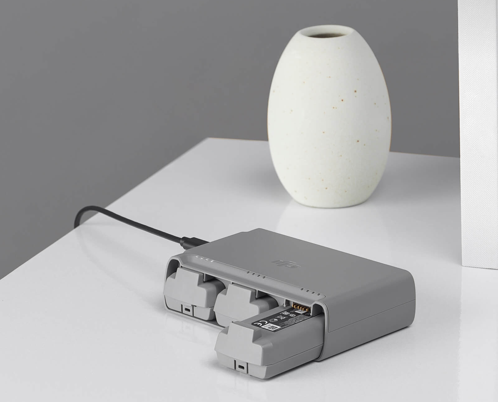 Drones.bg Двустранен хъб за зареждане на батерии за дрон DJI Mini 2